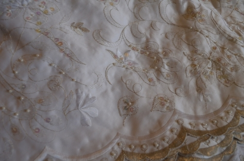 embroidered tafetta (640x424)