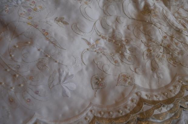 embroidered tafetta (640x424)