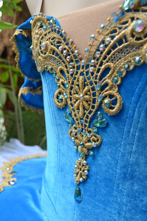 bodice detail_copy