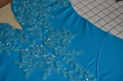 sewing om bodice motifs