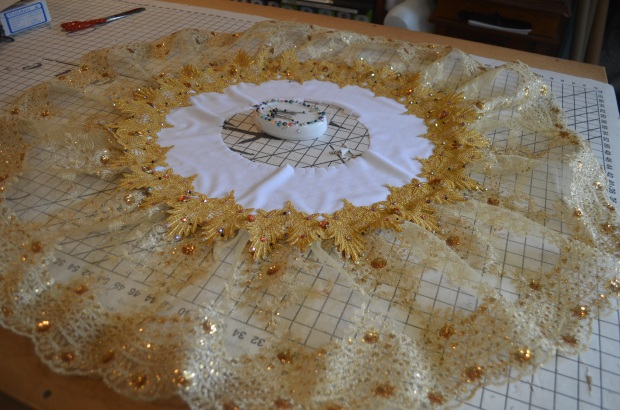 plate and overskirt