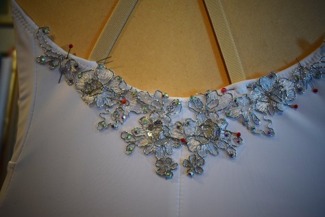 pinning on back motifs